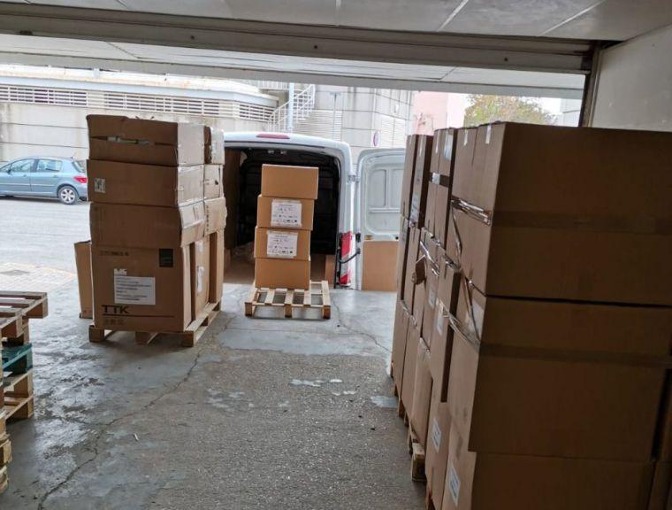 Los hospitales de la provincia de Albacete reciben un nuevo envío de más de 67.400 artículos de protección y 1.900 test rápidos de diagnóstico