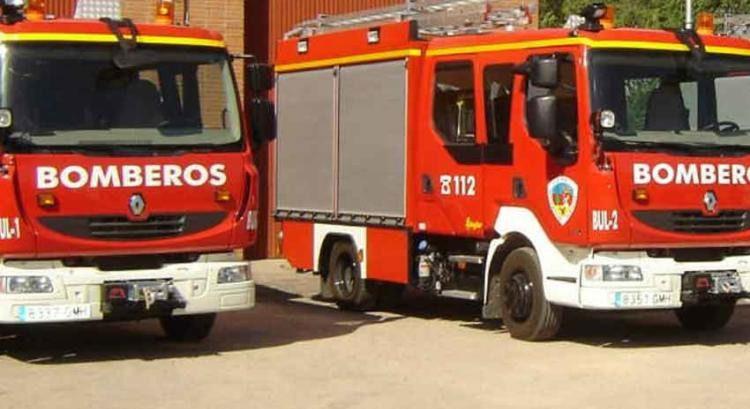Desalojan parcialmente un edificio tras originarse un incendio en una cocina en Albacete