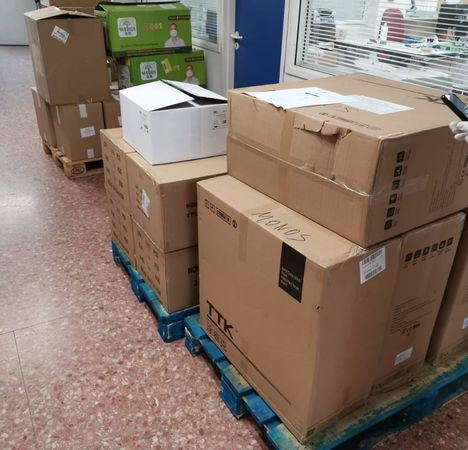 Las Hospitales de Albacete reciben un nuevo envío de material desde el SESCAM que incluye 5.000 test rápidos