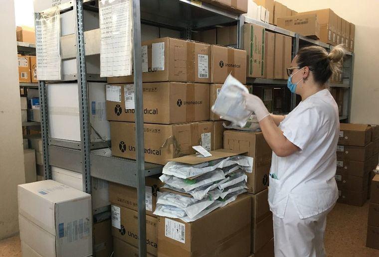 Los hospitales de la provincia de Albacete reciben 24.000 test rápidos y cerca de 100.000 artículos de protección