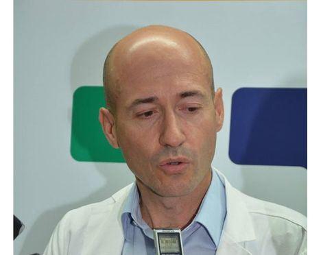 """Ángel Losa, médico especialista en medicina interna del Hospital General de Albacete: """"No entiendo las prisas, cada día siguen muriendo más de 200 personas"""""""