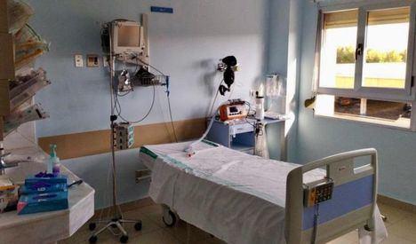 El número de pacientes ingresados en unidades de críticos y que necesitan respirador desciende hasta los 47