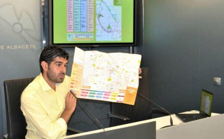 José González, concejal de movilidad, en Radio 4G Albacete: 'A partir de hoy se pueden registrar los vehículos de las nuevas calles peatonales'