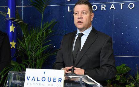"""García-Page anuncia la adquisición de """"nueve robots"""" que permitirán procesar un millón de test diagnósticos """"con un 100% de fiabilidad"""""""