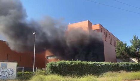 Sucesos.- Declarado un incendio en Hospital de Hellín que obliga a desalojar a por precaución a 150 pacientes