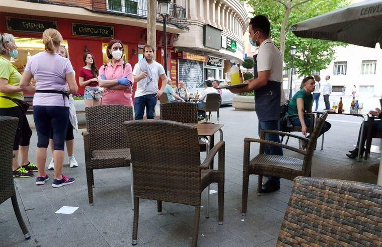 La Asociación Provincial de Hostelería amenaza con pedir la dimisón del alcalde, Vicente Casañ, por reiterados incumplimientos