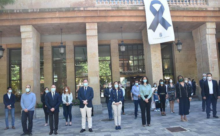 El Ayuntamiento de Albacete se une al minuto de silencio en la última jornada del luto nacional