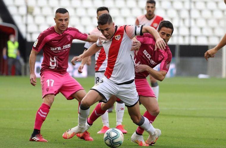 1-0. El Albacete pierde frente al Rayo Vallecano en la vuelta al fútbol en Vallecas