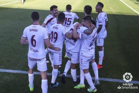 0-1. Un gol de Maikel Mesa en el tiempo de descuento de la primera parte da la victoria al Albacete Balompié que sale del descenso