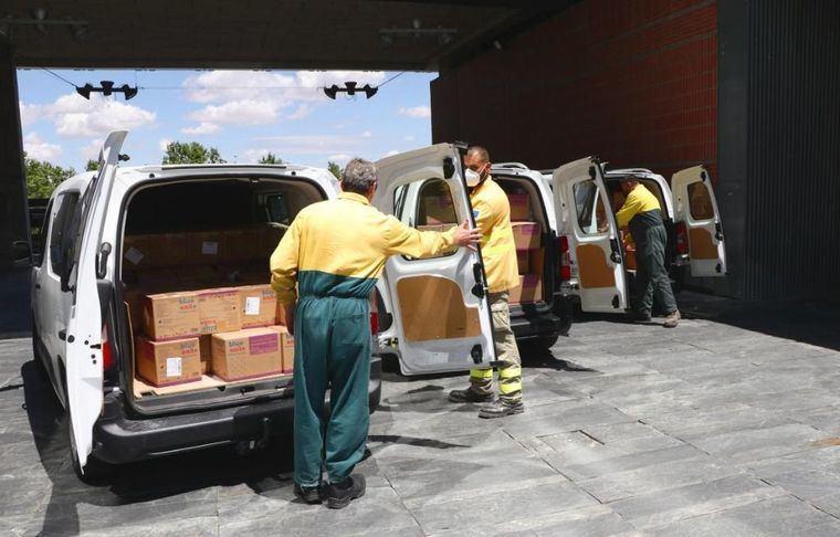 El Gobierno de Castilla-La Mancha ha distribuido en las dos últimas semanas más de 6,5 millones de artículos de protección para los profesionales sanitarios