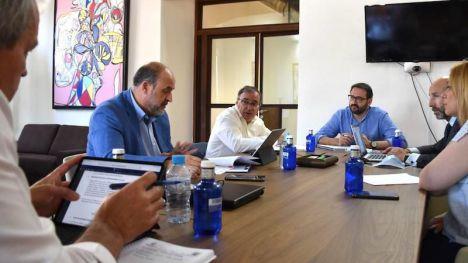 La Junta, PSOE y Ciudadanos acuerdan nueve grupos de trabajo para diseñar la recuperación