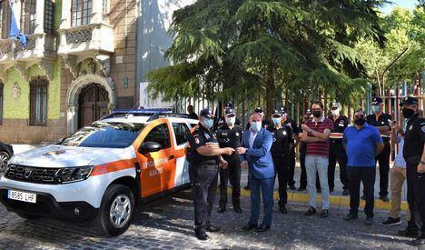 El Ayuntamiento de Albacete entrega un nuevo vehículo a la Agrupación Local de Voluntarios de Protección Civil
