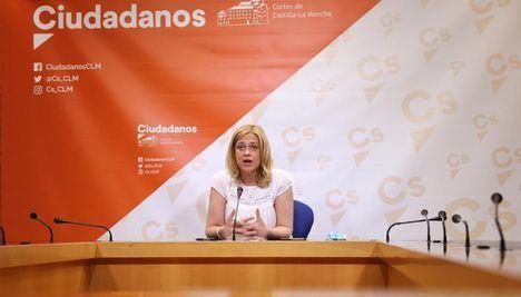 """Carmen Picazo, portavoz de Ciudadanos, sobre el inicio del próximo curso escolar: """"Se pasan la pelota unos a otros y las familias están preocupadas"""""""