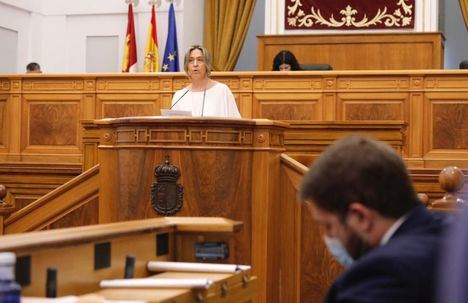"""Ana Guarinos exige a Page que ponga fin a los """"recortes sin precedentes"""" de los Gobiernos de España y de Castilla-La Mancha en el servicio de transporte público de la Región"""