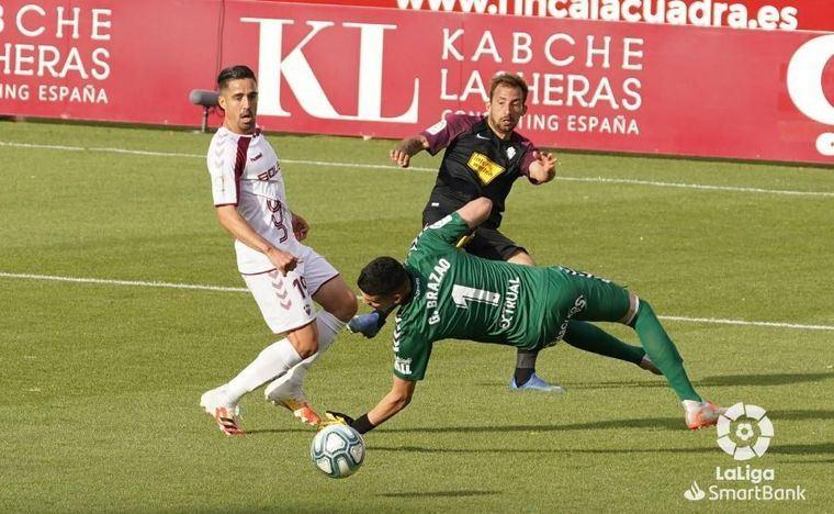 1-1. Zozulya rescata al Albacete y le complica el 'play off' al Sporting