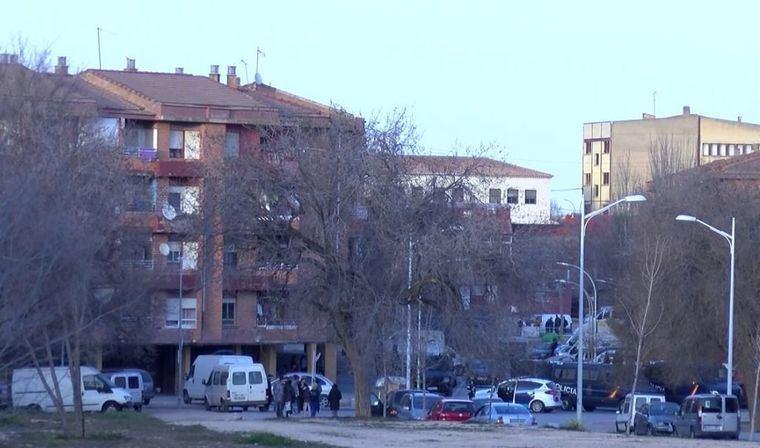 Sucesos.- Detenidas dos mujeres que iban a introducir armas blancas y de fuego en el barrio de la Milagrosa de Albacete