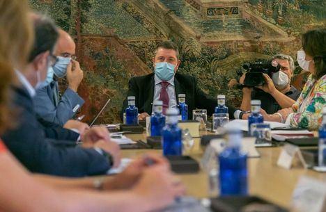 Coronavirus.- Castilla-La Mancha obligará a locales de ocio nocturno a registrar teléfonos de usuarios para localizarlos si hay brotes y habrá un protocolo sanitario para temporeros