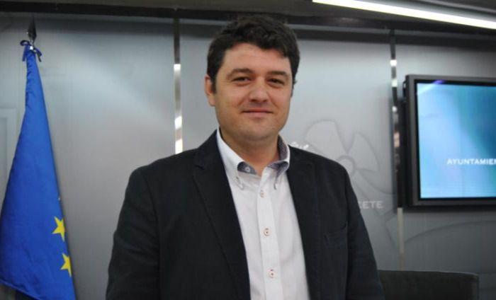 Francisco Navarro, (PP), advierte de que el alcalde no está cumpliendo con la legalidad en el proceso de selección del gerente del Instituto Municipal de Deportes de Albacete