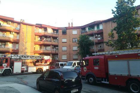 Sucesos.- La policía científica investiga las causas del incendio en una vivienda de Albacete que dejó una fallecida