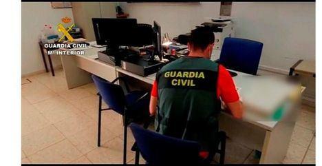Investigada una academia granadina por vender falsos certificados de cursos de formación para oposición a bombero