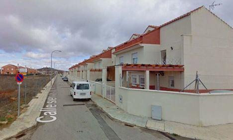 Sucesos.- Hallados muertos por arma de fuego un hombre y una mujer en un domicilio de Valdepeñas