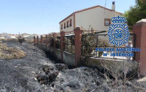 Sucesos.- Detenidos los autores del incendio provocado en la calle Columnas de Hellín