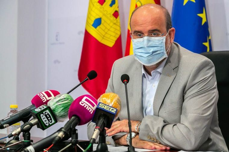 Castilla-La Mancha prevé tres escenarios en la vuelta a las aulas y adquiere 72.000 equipos informáticos por lo que pueda pasar