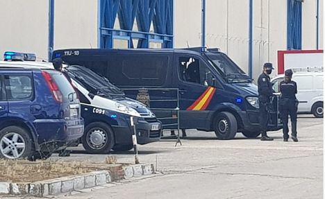 Aislados en Albacete 11 agentes de la Policía Nacional, positivos en coronavirus, aunque estas unidades no han intervenido en ninguno de los dos altercados con los temporeros