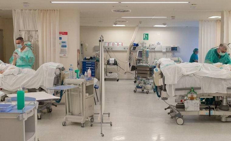 Coronavirus.- Castilla-La Mancha no registra fallecidos, contabiliza 486 nuevos casos, 187 ingresados en cama convencional y 22 en UCI