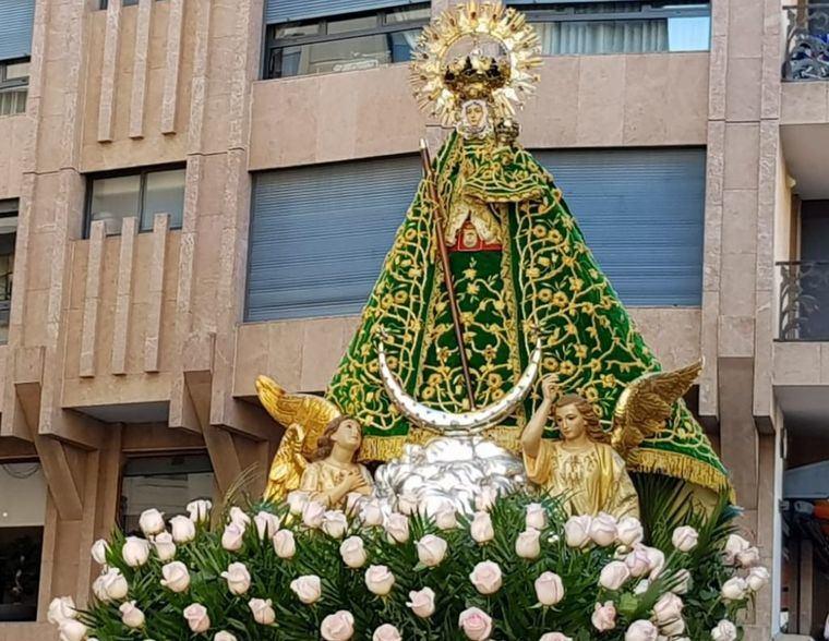 El martes día 8, festividad de la Virgen de Los Llanos, a las 11.00 horas, tendrá lugar la Misa Estacional presidida por el Obispo, D. Ángel Fernández