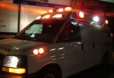 Sucesos.- Un afectado por inhalación de humo tras incendiarse un autobús que estaba estacionado en Albacete