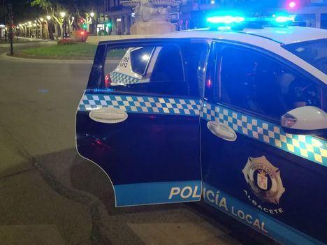 Tres detenidos por agredir a 5 policías que les advirtieron sobre el uso de las mascarillas