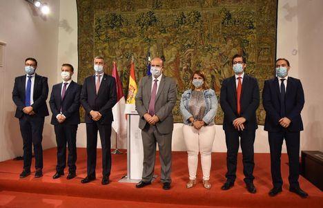 La Junta y las diputaciones acuerdan destinar 10 millones a un plan para reforzar la limpieza en los centros educativos de Castilla-La Mancha