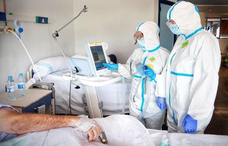 Castilla-La Mancha registra 490 nuevos casos por infección de coronavirus. Por provincias, Albacete 194, Toledo 160, Guadalajara 68, Ciudad Real 56 y Cuenca 12