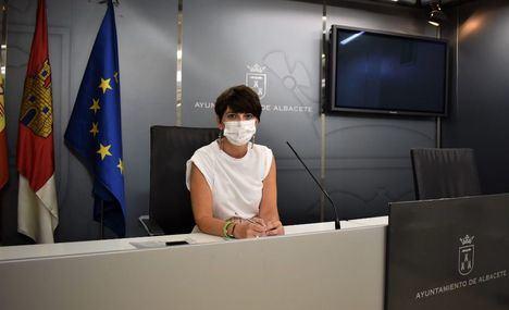 Ana Albaladejo, concejala de Cementerios valora el trabajo abnegado realizado por el Servicio durante la pandemia