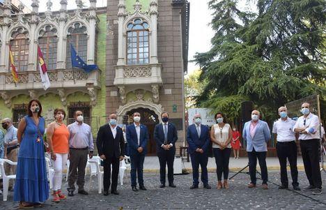 """El alcalde de Albacete subraya la """"obligación de perpetuar el patrimonio cuchillero"""" en el XVI aniversario del Museo de la Cuchillería"""