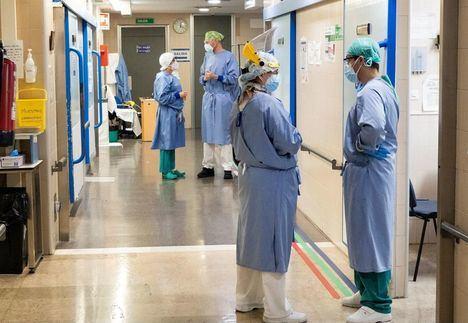 Coronavirus.- Castilla-La Mancha mantendrá 744 sanitarios contratados para las vacaciones de la plantilla y suma 90 para atención telefónica