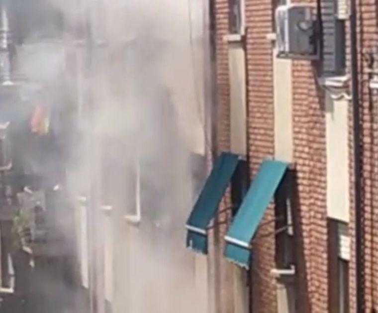 ÚLTIMA HORA. Aparatoso incendio sin heridos en el tercer piso de la calle Juana de Arco, número 10 de Albacete