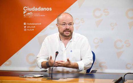 Ruiz ensalza a Vicente Casañ como alcalde