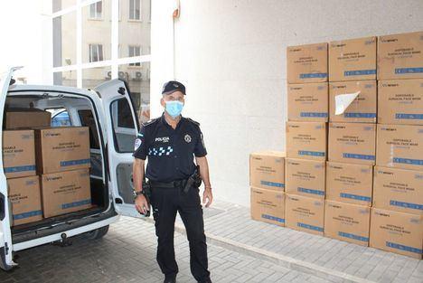 La Subdelegación del Gobierno en Albacete distribuye 122.000 mascarillas a través de la FEMP y entidades sociales