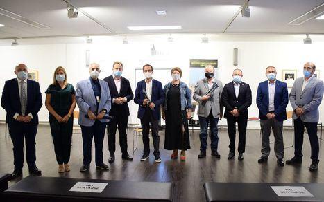 Fudecu y APRECU homenajean a José Bono, Manuel Pérez Castell y Amós Núñez, impulsores de la Escuela de Cuchillería en sus 20 años de vida