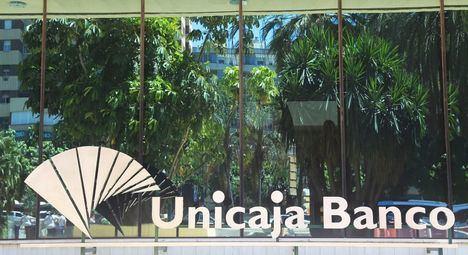 Unicaja se dispara un 11% y Liberbank un 16% tras confirmarse contactos 'preliminares' para posible fusión