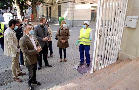 Vicente Casañ valora las mejoras que harán las cuadrillas del Plan de Empleo en colegios, zonas verdes y polígonos de Albacete