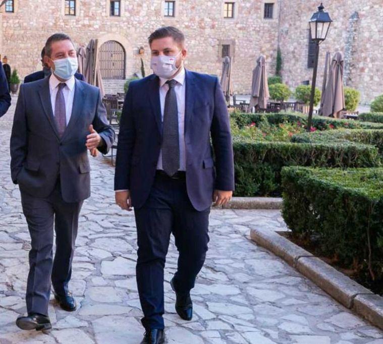 (Foto: Page, junto al consejero de Fomento, Nacho Hernando, estarán en la provincia de Albacete este lunes)