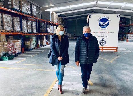 (Foto: La líder de Ciudadanos en Castilla-La Mancha, Carmen Picazo, ha visitado el Banco de Alimentos de Albacete)
