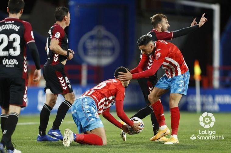 1-0. El Albacete pierde en Lugo a pesar de jugar 50 minutos con un hombre más