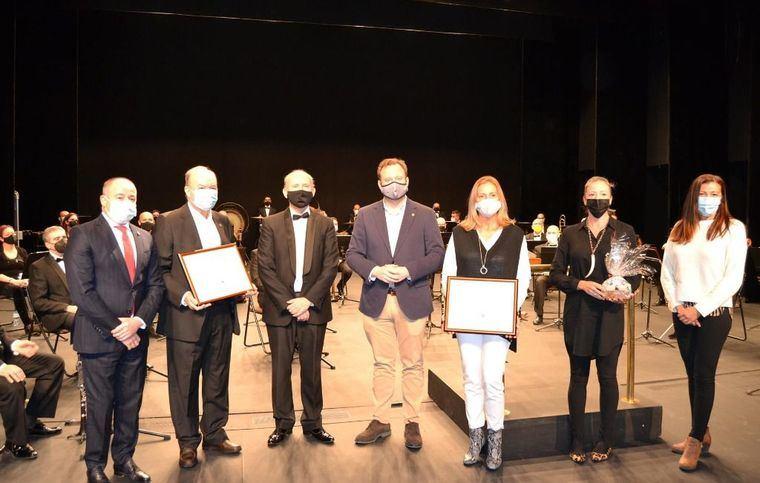 La Banda Sinfónica de Albacete reconoce a quien fuera su director durante 15 años, Crescencio Díaz Felipe y al exalcalde Pérez Castell