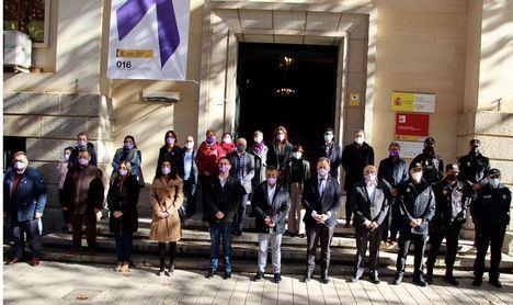 El Equipo de Gobierno del Ayuntamiento se suma al minuto de silencio con motivo del Día Internacional de la Lucha Contra la Violencia hacia las Mujeres