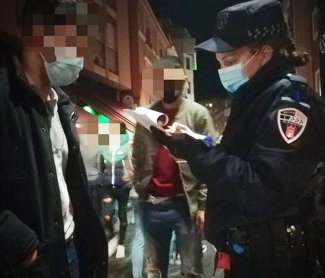 Sucesos.- Albacete registra una veintena de denuncias por molestias a vecinos por fiestas y reuniones en pisos