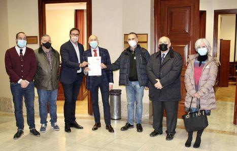 Sergio Gutiérrez, diputado del PSOE, lleva al Congreso dos iniciativas parlamentarias encaminadas a la protección de la artesanía
